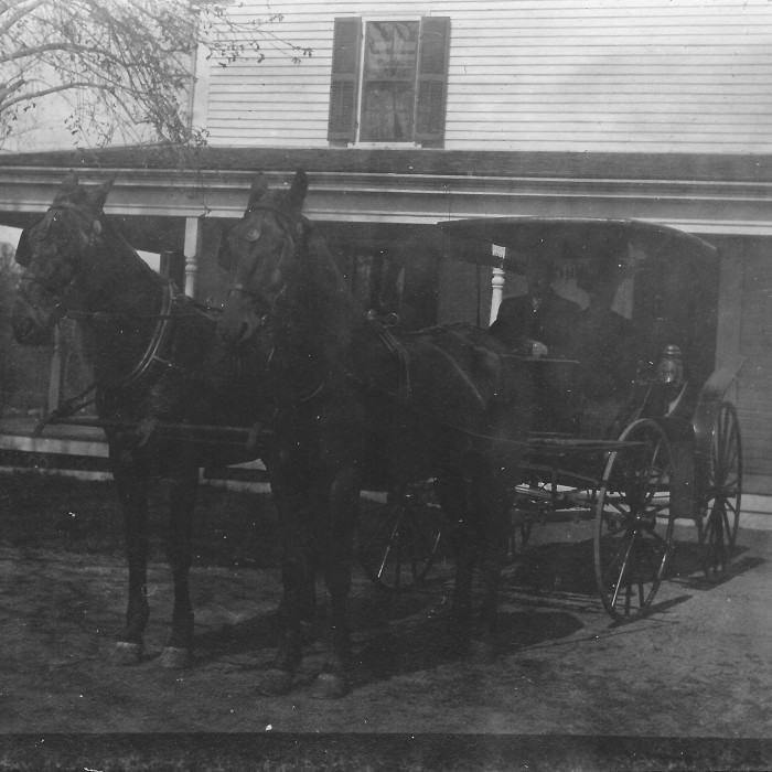Duke and Dutchess 1925 in front of the farmhouse